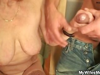 my girlfriends old mom is so horny 720p