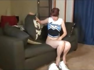 Cougar Cheerleader