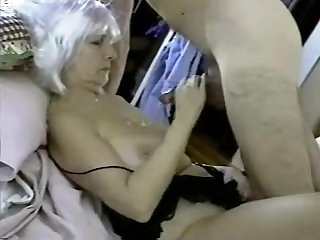Mature wife takes hubby's load
