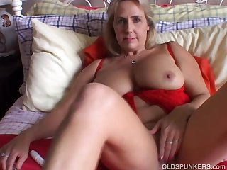 Beautiful big tits old spunker imagines..