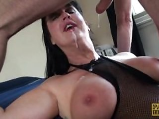 Carnivorous MILF Jessie Jo fed with..