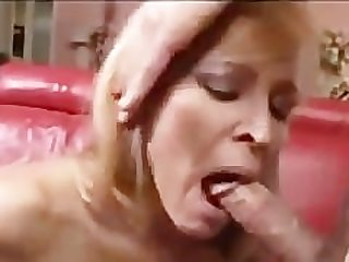 Mommy fucks best 4 cumshot mature