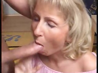 mature divorcee janet loves thick cock n..