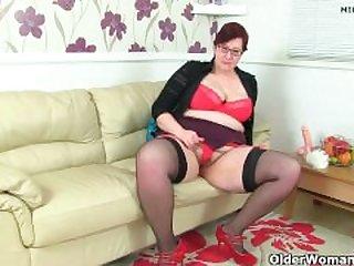 british milf janey works her deliciously..