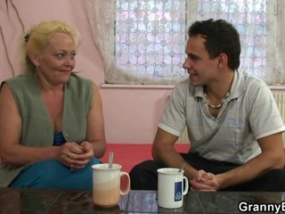 He brings old woman home and fucks