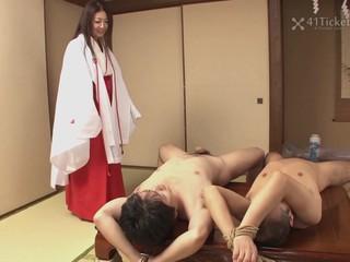 Fucking Mature Priestess Ayano Murasaki..