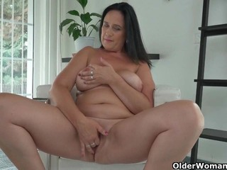 Curvy milf Ria Black strips off her..