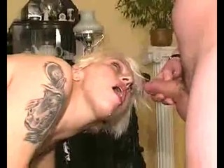 Pussy Pissing for Milf