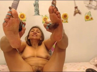 mature long toenails